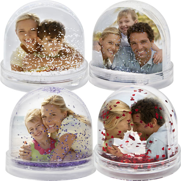 MCprint.eu - Photogift: Photo snow globe - snow, a heart, violet, silver, stars or a heart shape